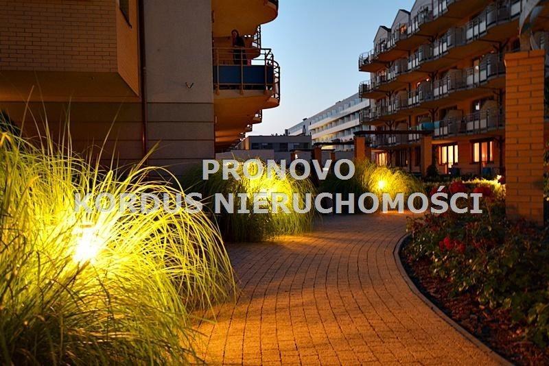 Mieszkanie czteropokojowe  na sprzedaż Świnoujście  65m2 Foto 1