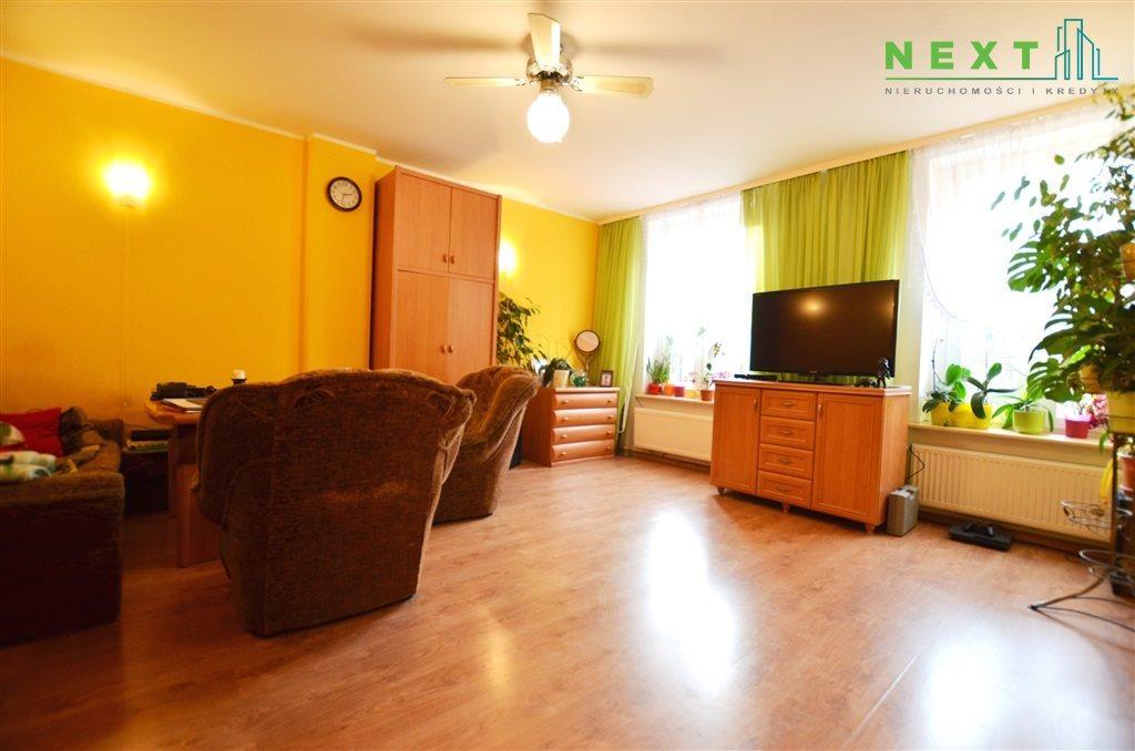 Mieszkanie trzypokojowe na sprzedaż Zabrze, Centrum  65m2 Foto 3