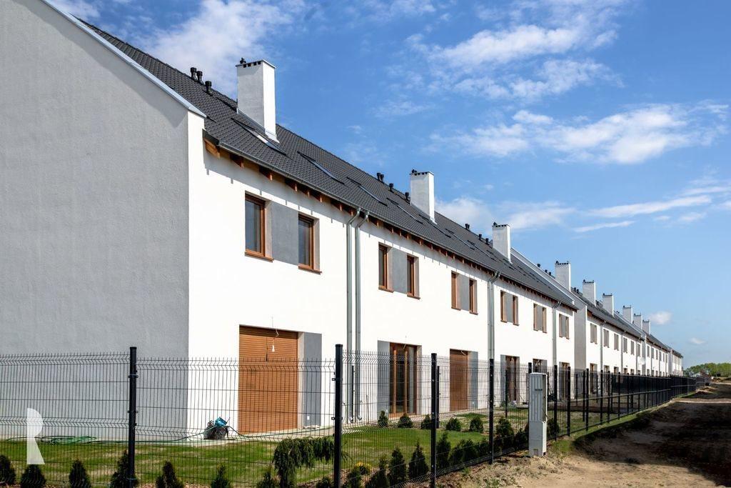 Mieszkanie czteropokojowe  na sprzedaż Dachowa, Poznańska  70m2 Foto 1