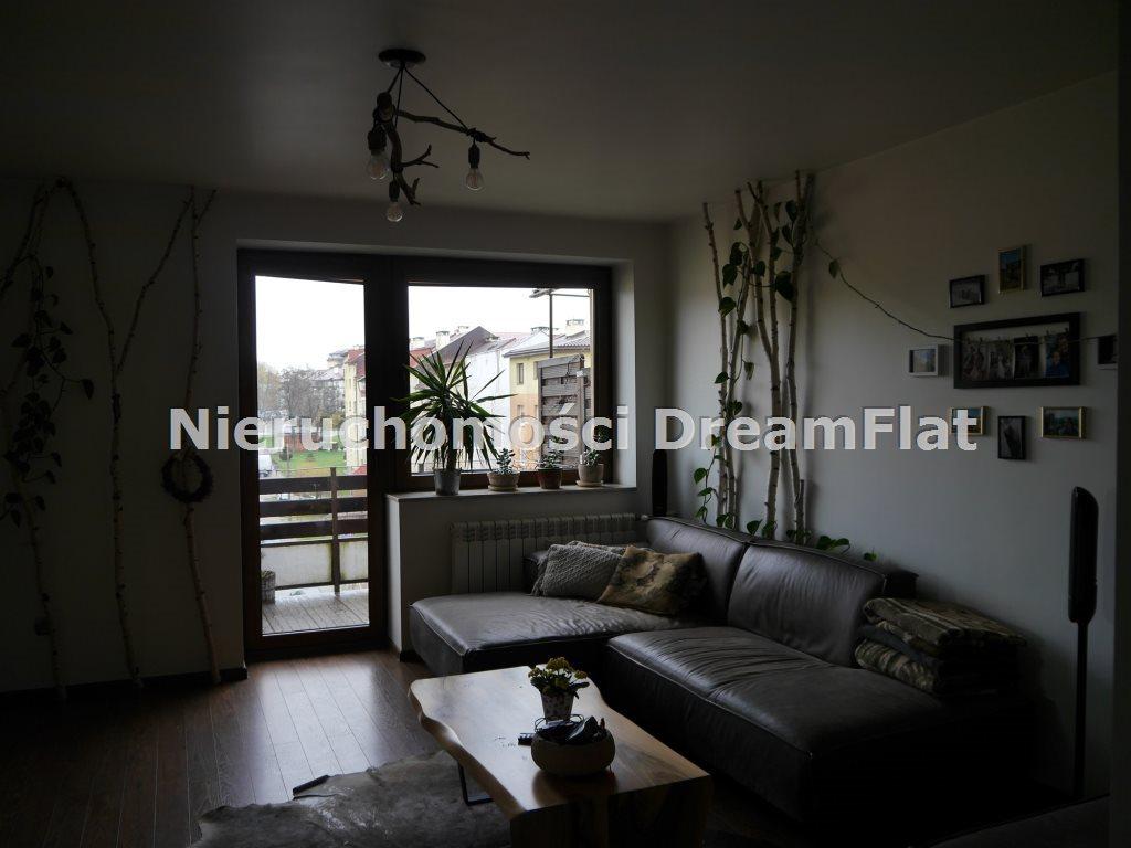 Mieszkanie trzypokojowe na sprzedaż Starachowice  70m2 Foto 3