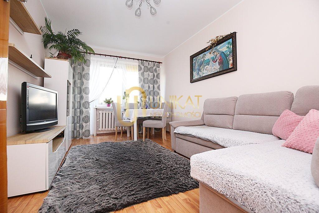 Mieszkanie czteropokojowe  na sprzedaż Białystok, Antoniuk, Władysława Broniewskiego  63m2 Foto 2