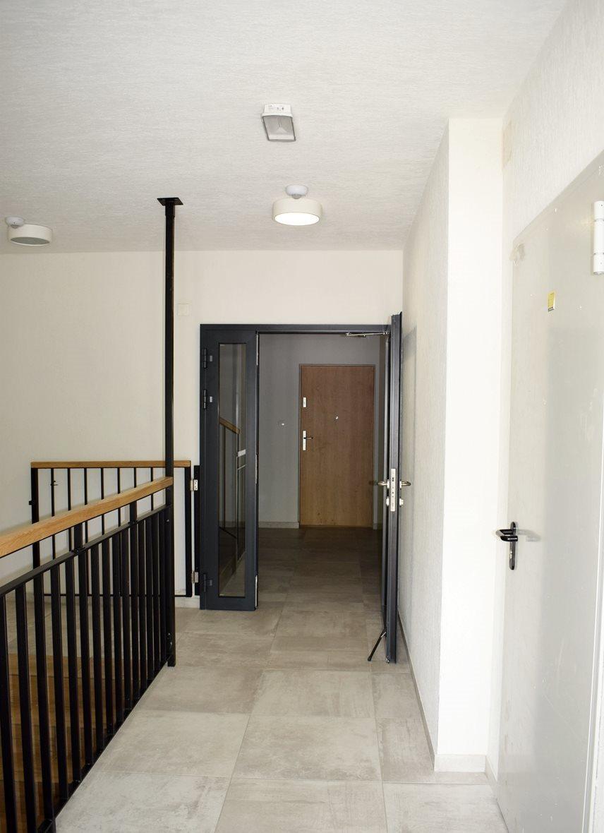 Mieszkanie trzypokojowe na sprzedaż Bielsko-Biała  69m2 Foto 11