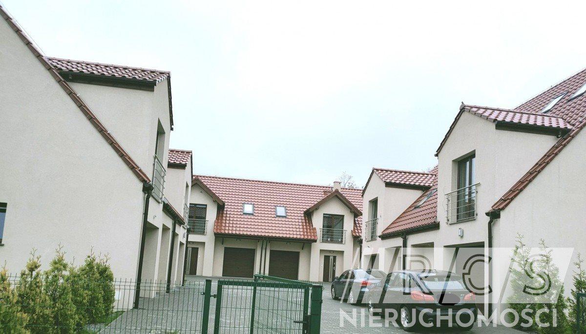 Dom na wynajem Domasław  150m2 Foto 1