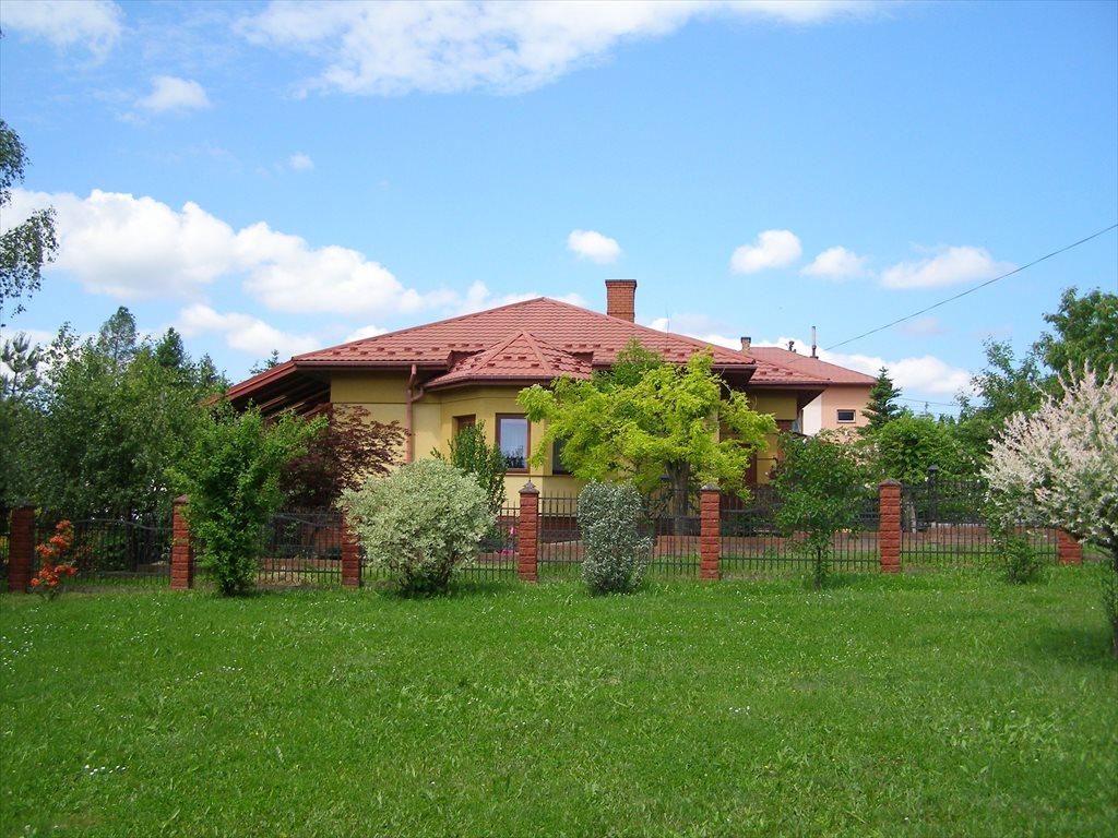 Dom na sprzedaż Harklowa  146m2 Foto 1