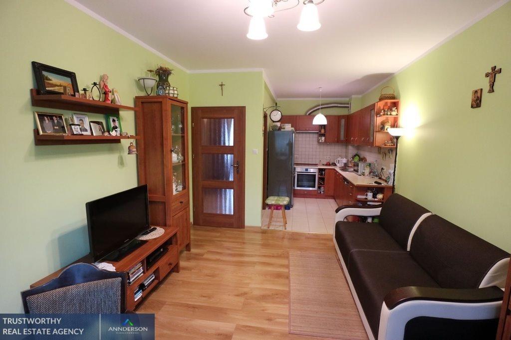 Mieszkanie trzypokojowe na sprzedaż Niepołomice, Jazy, Ogrodowa  72m2 Foto 1