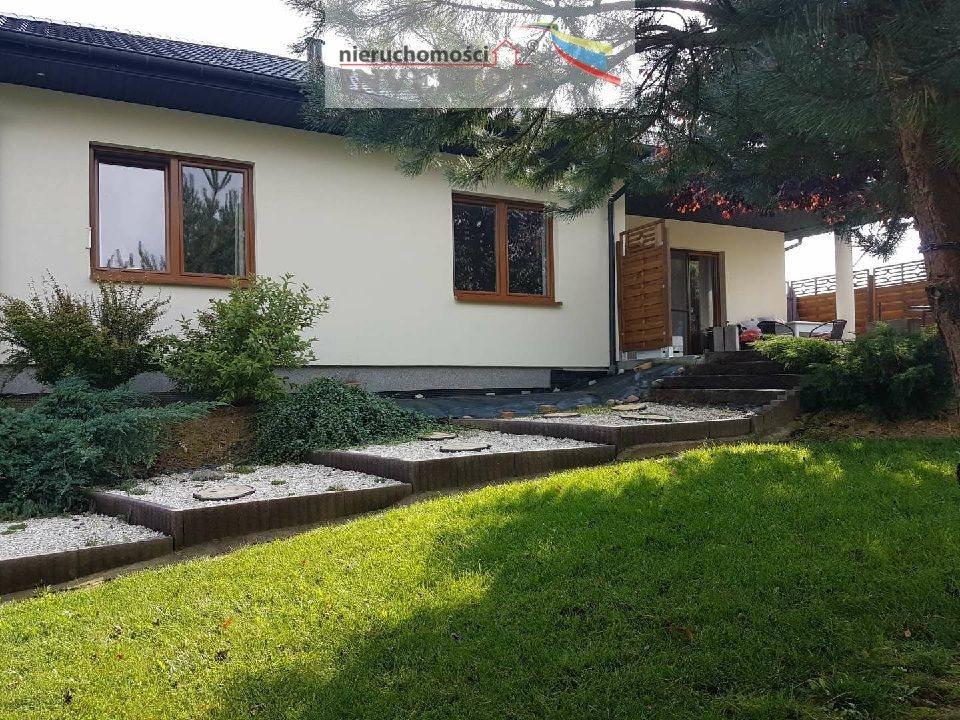 Dom na sprzedaż Ostrowiec Świętokrzyski  190m2 Foto 2