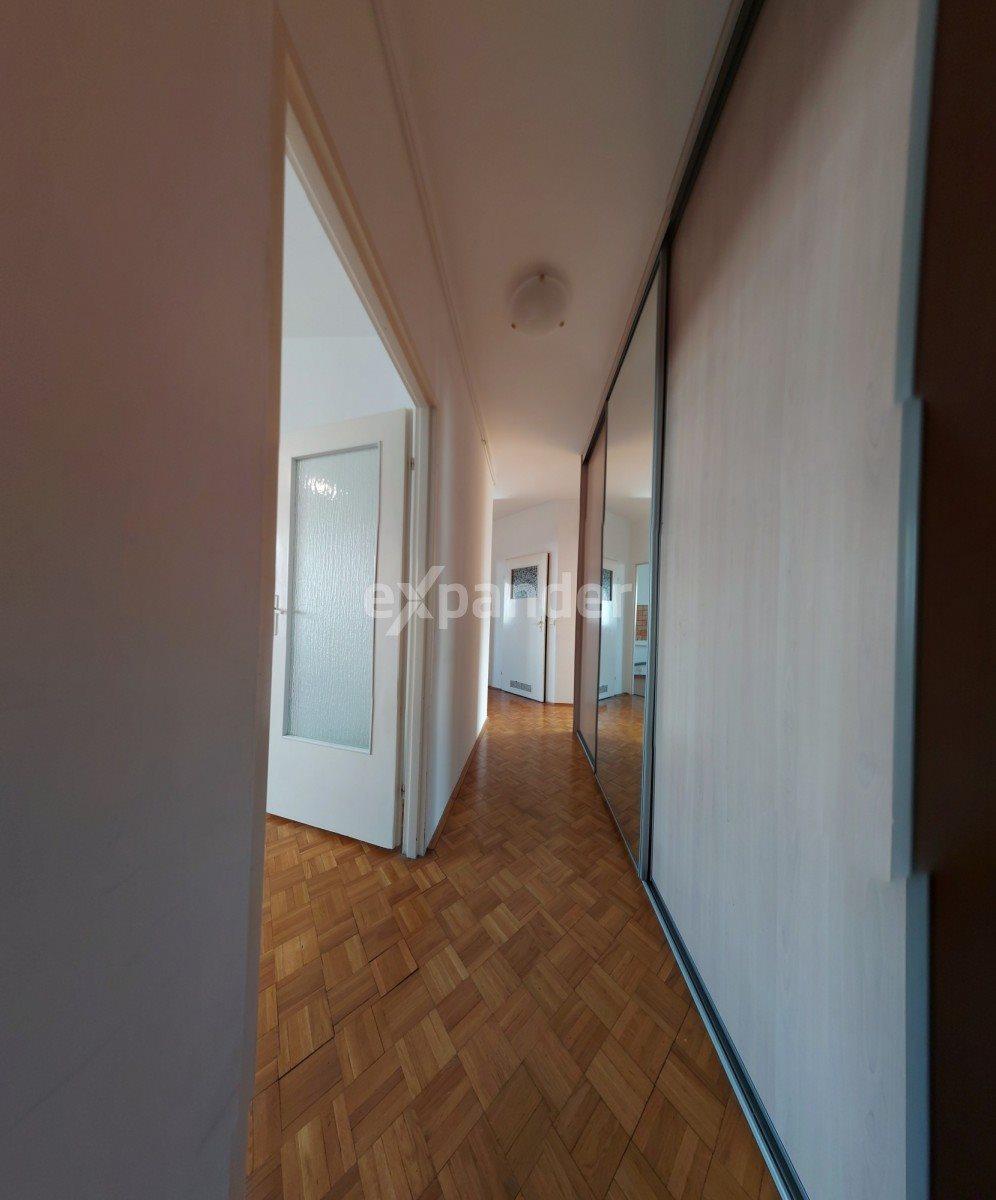 Mieszkanie trzypokojowe na sprzedaż Toruń, Długa  59m2 Foto 1