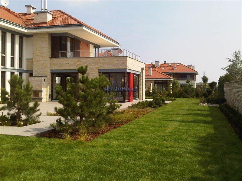 Dom na wynajem Bielawa  550m2 Foto 1