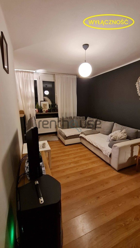 Mieszkanie trzypokojowe na sprzedaż Bielsko-Biała  48m2 Foto 1