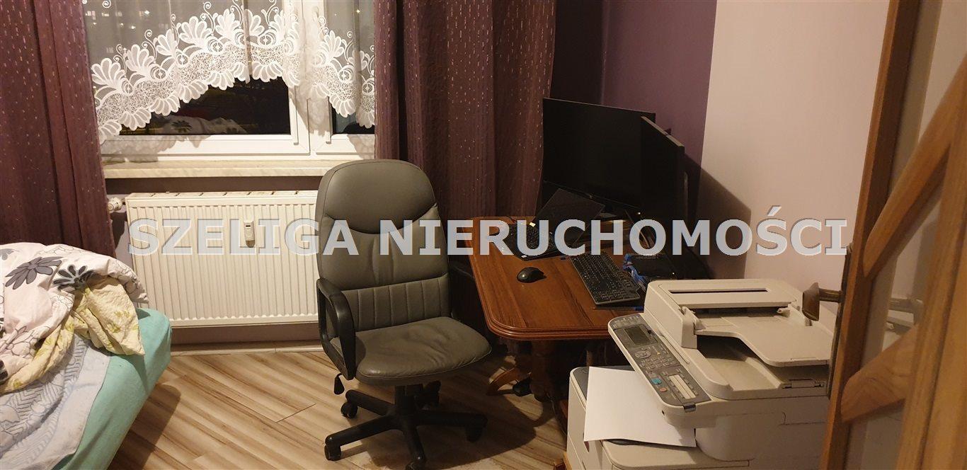Mieszkanie trzypokojowe na sprzedaż Gliwice, Szobiszowice, OKOLICE BATALIONU KOSYNIERÓW, C.O., C.W. Z SIECI, BALKON  54m2 Foto 2