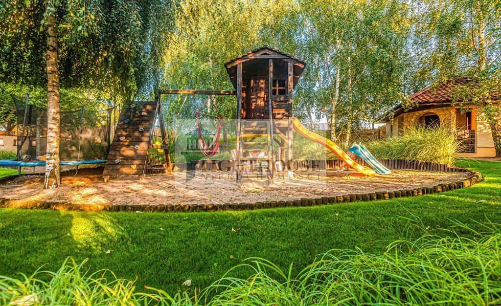 Dom na sprzedaż Różyny  256m2 Foto 8