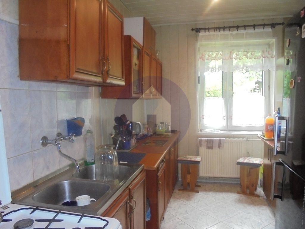 Mieszkanie trzypokojowe na sprzedaż Wałbrzych, Stary Zdrój  75m2 Foto 1