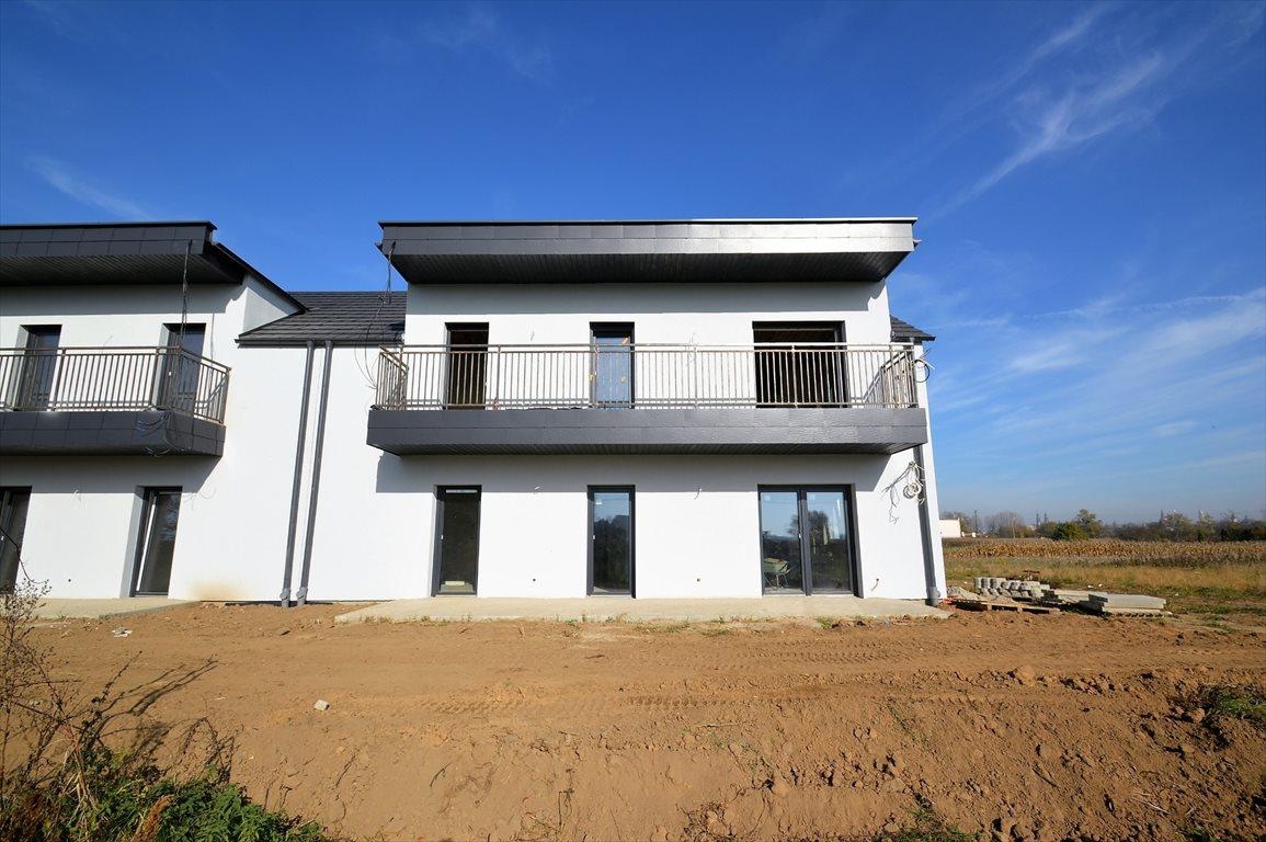 Mieszkanie czteropokojowe  na sprzedaż Opole, Szczepanowice  77m2 Foto 1