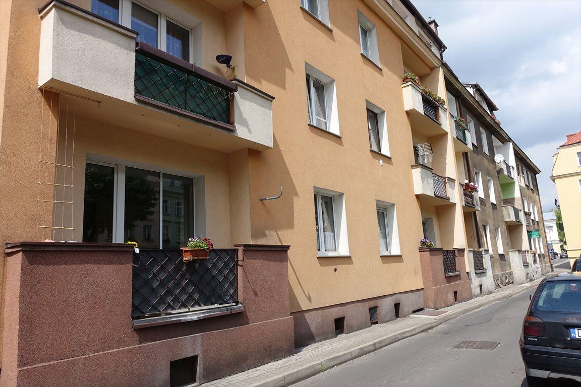 Kawalerka na sprzedaż Bolesławiec  34m2 Foto 1