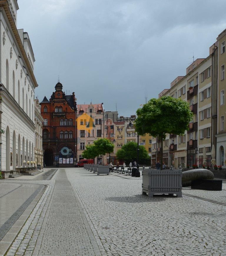 Lokal użytkowy na wynajem Legnica, rynek Rynek  26m2 Foto 2