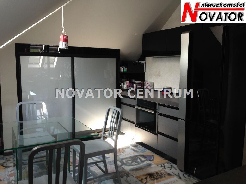 Mieszkanie trzypokojowe na sprzedaż Niemcz  98m2 Foto 1