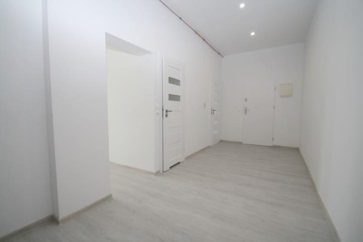 Mieszkanie trzypokojowe na sprzedaż Kluczbork, Zamkowa  79m2 Foto 1