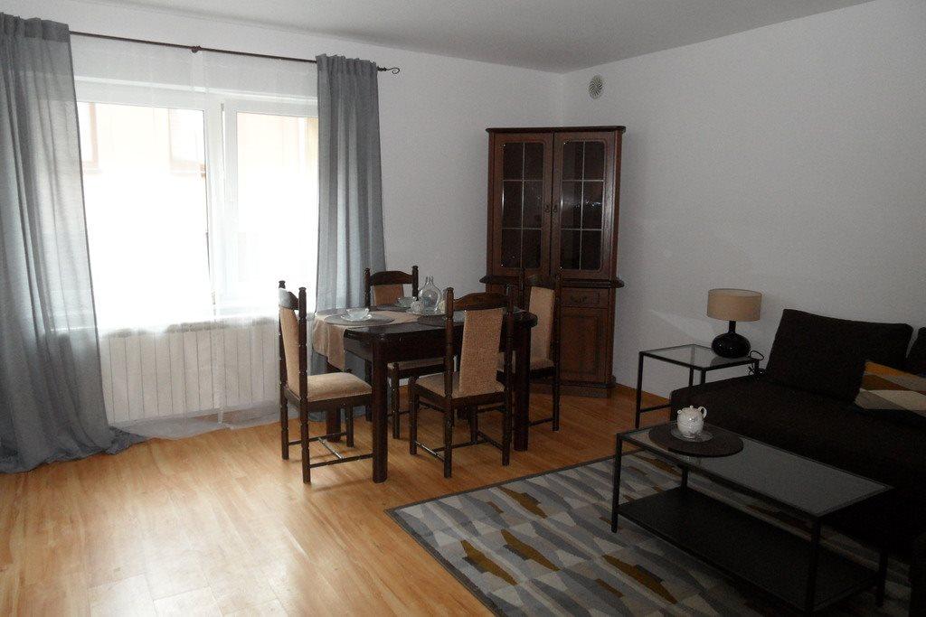 Mieszkanie trzypokojowe na sprzedaż Śrem  63m2 Foto 1