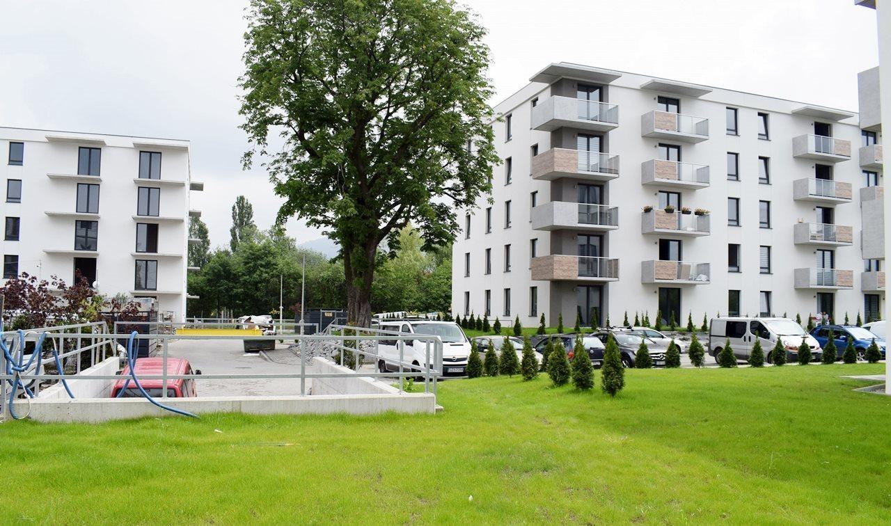 Mieszkanie trzypokojowe na sprzedaż Bielsko-Biała  69m2 Foto 2