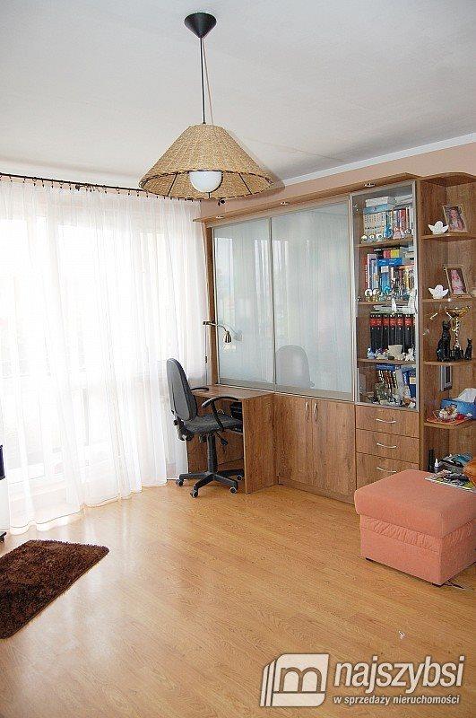 Mieszkanie dwupokojowe na sprzedaż Warzymice, Centrum  52m2 Foto 3