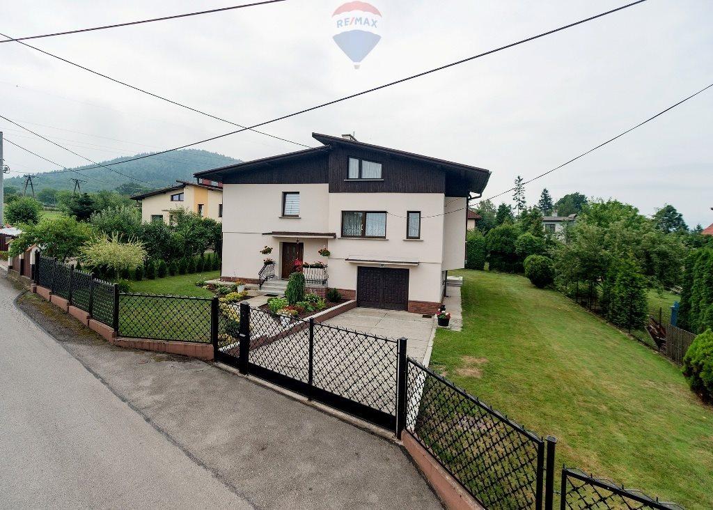 Dom na wynajem Bielsko-Biała, Wczasowa  250m2 Foto 1