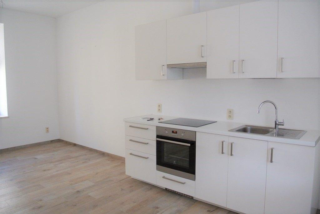 Mieszkanie dwupokojowe na wynajem Kielce, Centrum  44m2 Foto 2