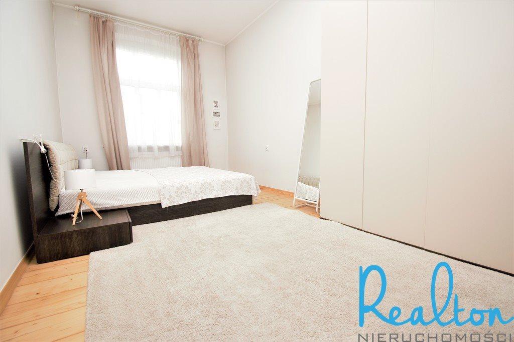 Mieszkanie trzypokojowe na sprzedaż Katowice, Centrum  86m2 Foto 3