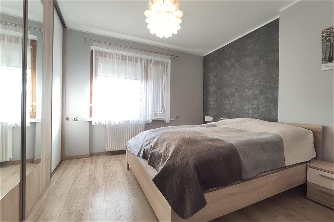 Mieszkanie trzypokojowe na sprzedaż Bielsko-Biała, Bielsko-Biała  80m2 Foto 2