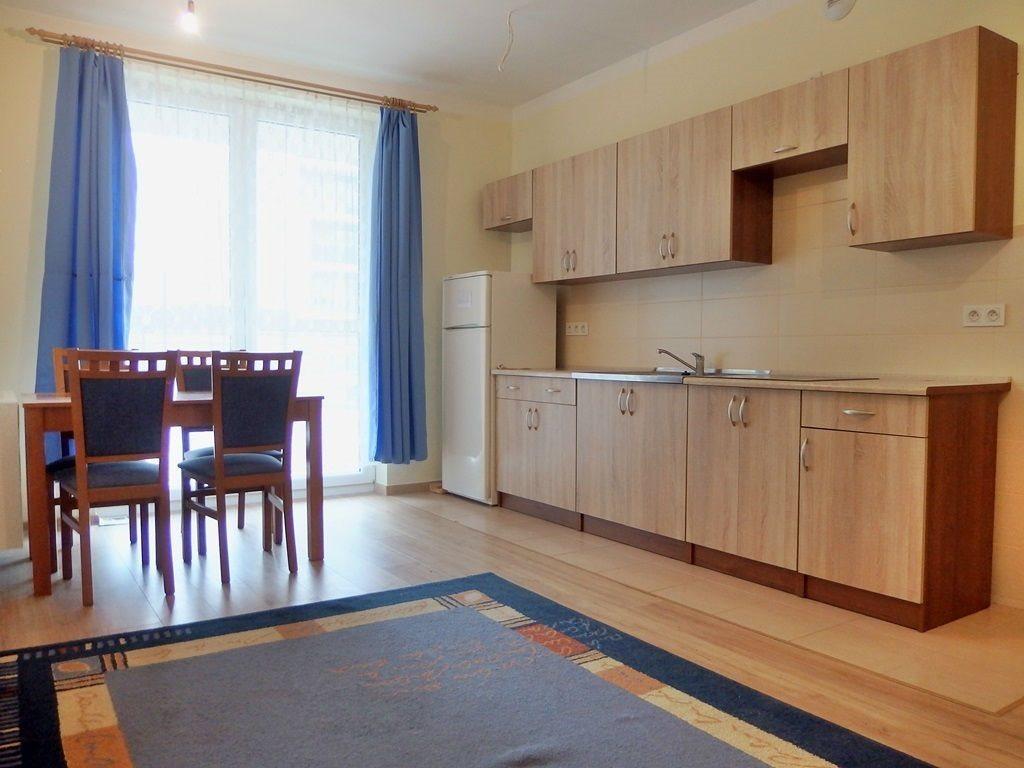Mieszkanie dwupokojowe na wynajem Kielce, Baranówek  37m2 Foto 1