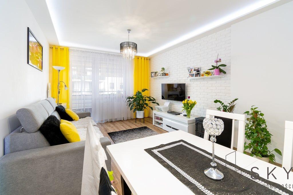 Mieszkanie dwupokojowe na sprzedaż Oleśnica, Wielkopolna  52m2 Foto 1