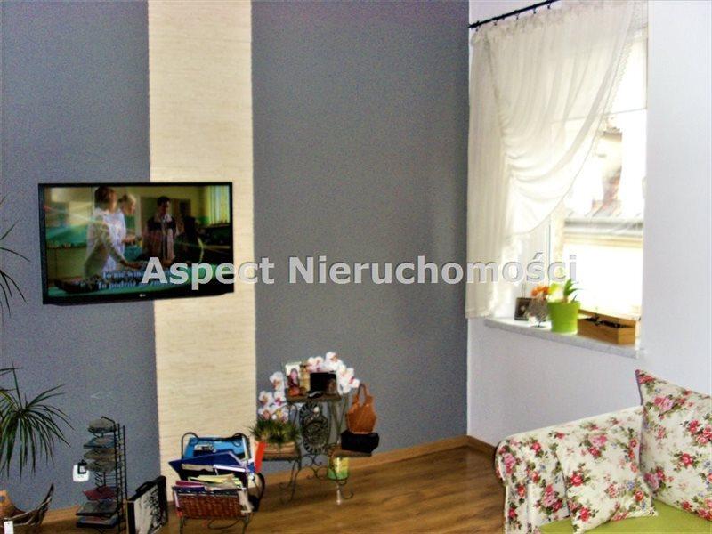 Mieszkanie trzypokojowe na sprzedaż Tarnowskie Góry, Śródmieście  67m2 Foto 1