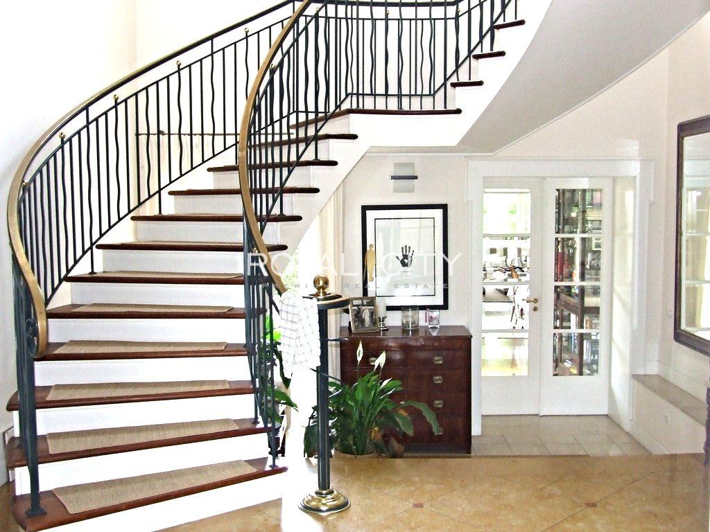 Dom na wynajem Bielawa  711m2 Foto 1