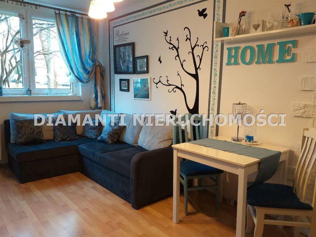 Mieszkanie trzypokojowe na sprzedaż Bielsko-Biała, Osiedle Kopernika  52m2 Foto 1