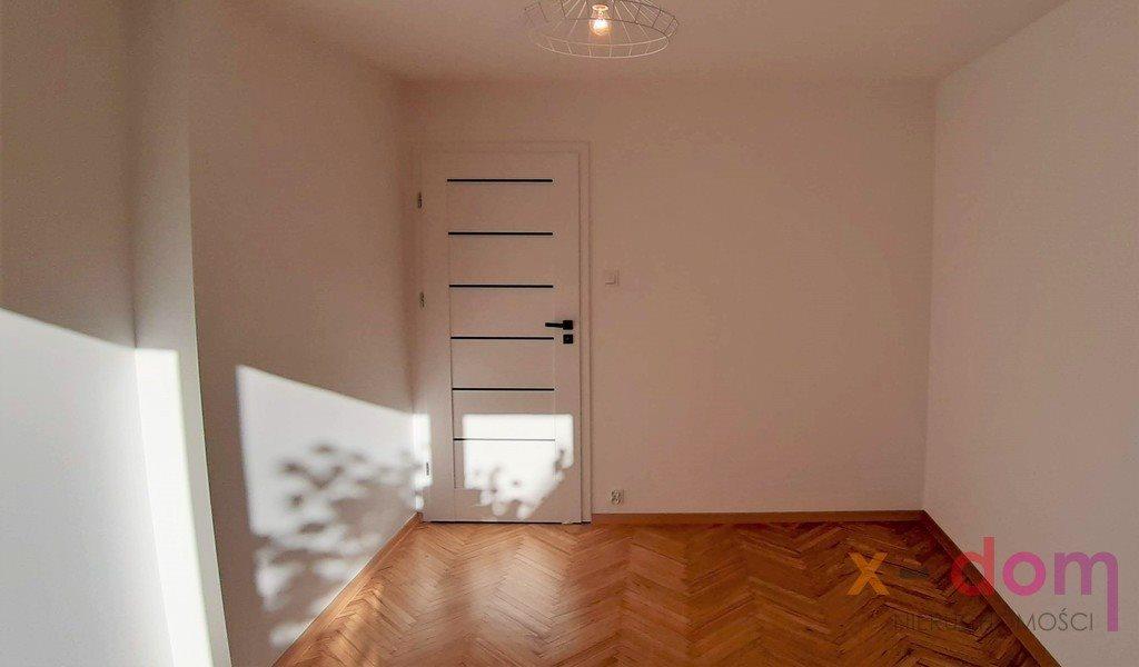 Mieszkanie trzypokojowe na sprzedaż Kielce, Ksm  53m2 Foto 3