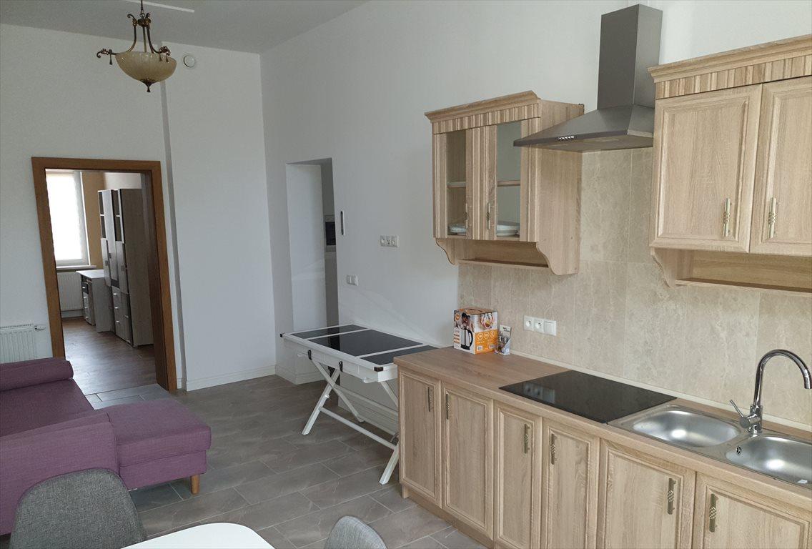 Mieszkanie dwupokojowe na wynajem Gniezno, Wyszyńskiego  62m2 Foto 10