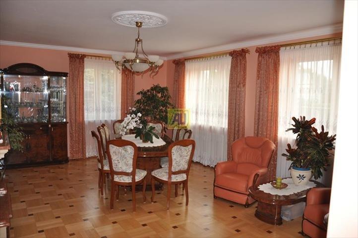 Dom na sprzedaż Kołbiel  340m2 Foto 1