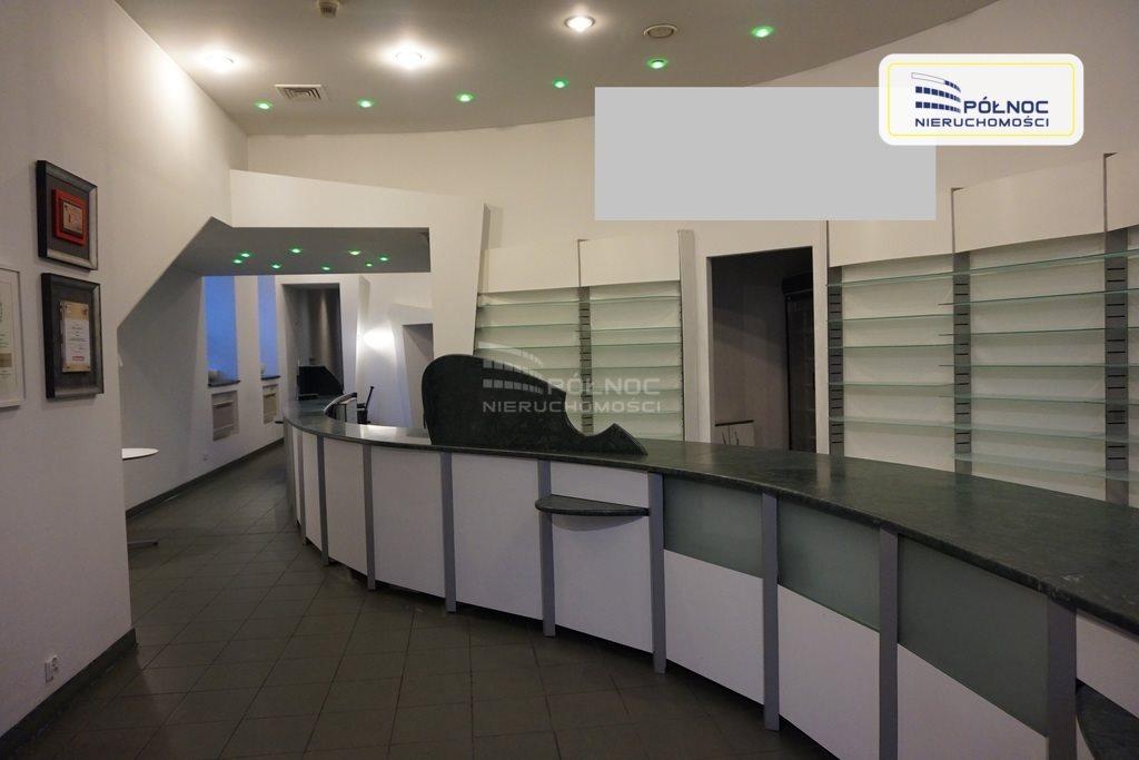 Lokal użytkowy na wynajem Pabianice, Sklep, gabinety, kancelaria, dobra lokalizacja  131m2 Foto 1