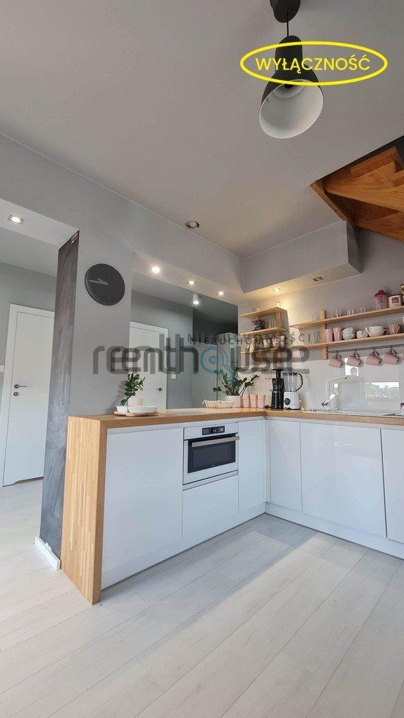 Mieszkanie czteropokojowe  na sprzedaż Bielsko-Biała  75m2 Foto 1