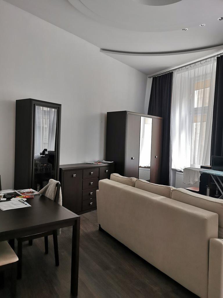 Mieszkanie dwupokojowe na sprzedaż Łódź, Śródmieście, Piotrkowska  50m2 Foto 1
