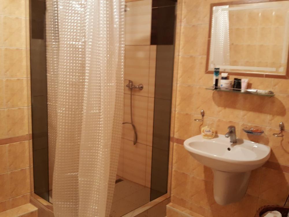 Mieszkanie dwupokojowe na wynajem Chyby  80m2 Foto 4