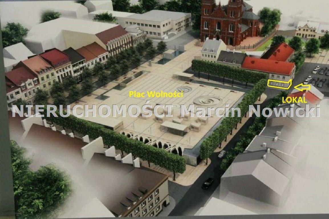 Lokal użytkowy na wynajem Kutno, Plac Wolności  47m2 Foto 2