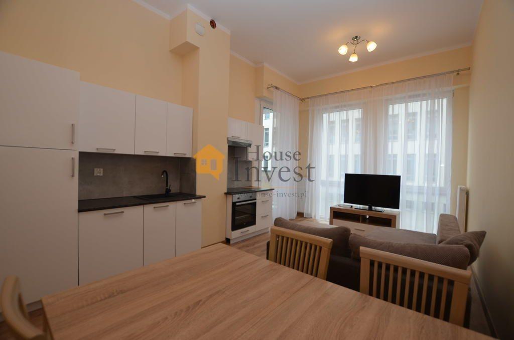 Mieszkanie dwupokojowe na wynajem Legnica, Złotego Florena  45m2 Foto 1