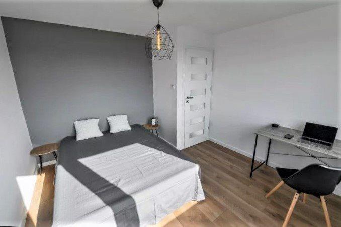 Mieszkanie dwupokojowe na sprzedaż Kielce, Centrum  52m2 Foto 1