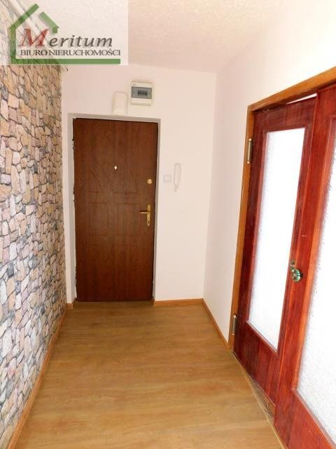 Mieszkanie trzypokojowe na sprzedaż Nowy Sącz, Os. Kochanowskiego  72m2 Foto 2