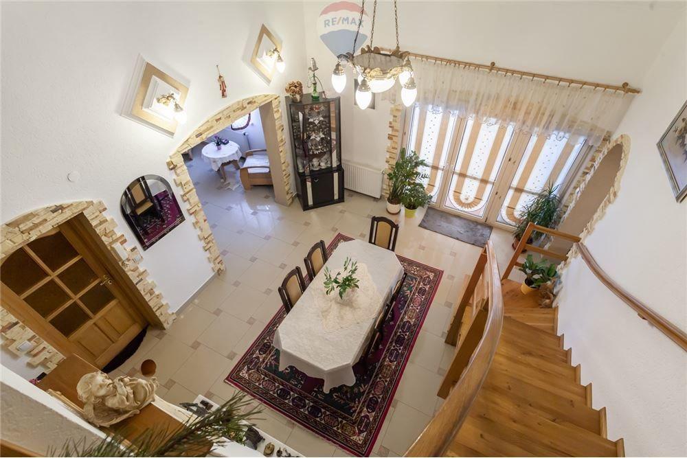 Dom na sprzedaż Ligota  197m2 Foto 12