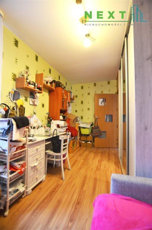 Mieszkanie trzypokojowe na sprzedaż Zabrze, Centrum  65m2 Foto 2