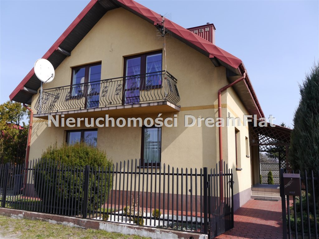 Dom na sprzedaż Ostrowiec Świętokrzyski  460m2 Foto 1