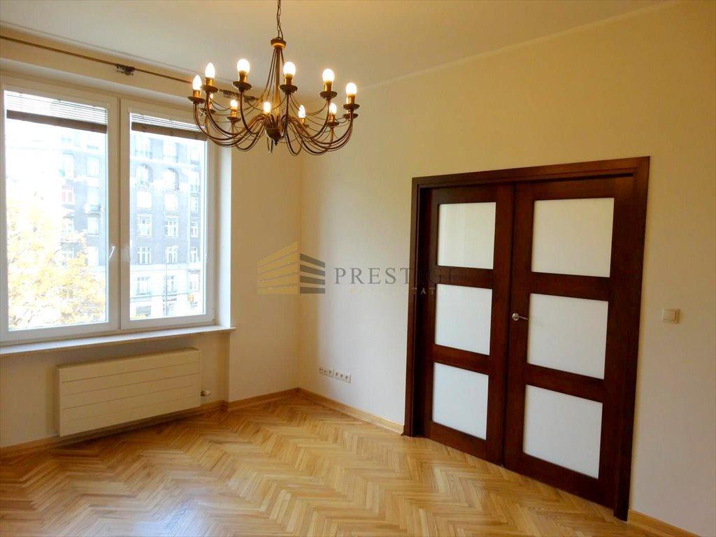 Mieszkanie trzypokojowe na wynajem Warszawa, Śródmieście, Piękna  63m2 Foto 2