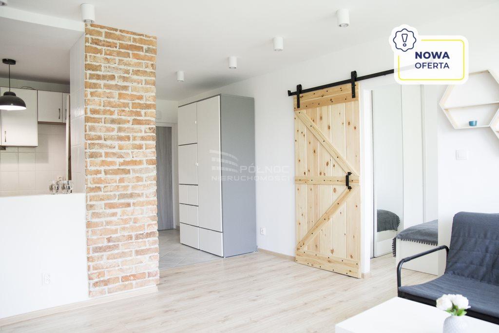 Mieszkanie dwupokojowe na sprzedaż Katowice, Tysiąclecia  37m2 Foto 1