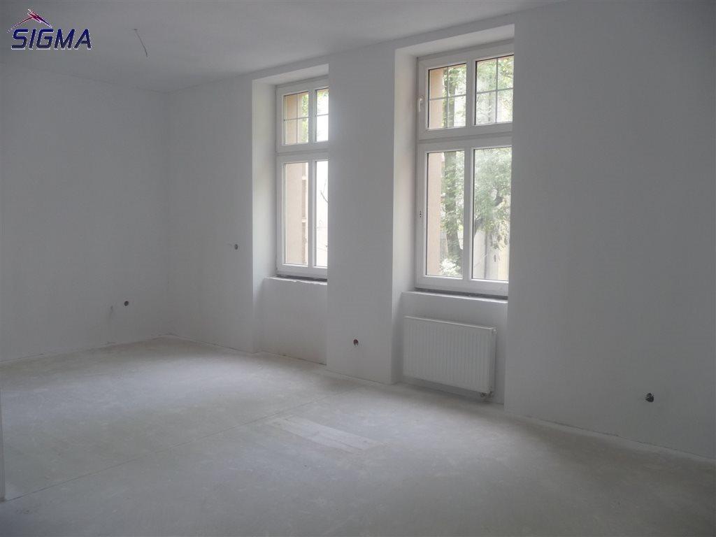 Mieszkanie dwupokojowe na sprzedaż Bytom, Centrum  87m2 Foto 5